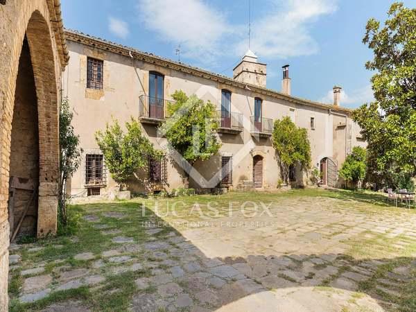 Casa / Vil·la de 2,600m² en venda a Pla de l'Estany, Girona