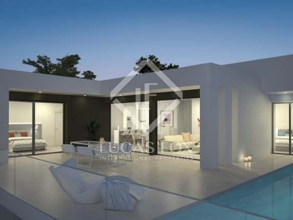 Casa / Villa de 367m² con 73m² de jardín en venta en Cumbre del Sol