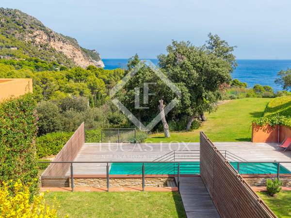 233m² House / Villa with 74m² garden for sale in Aiguablava
