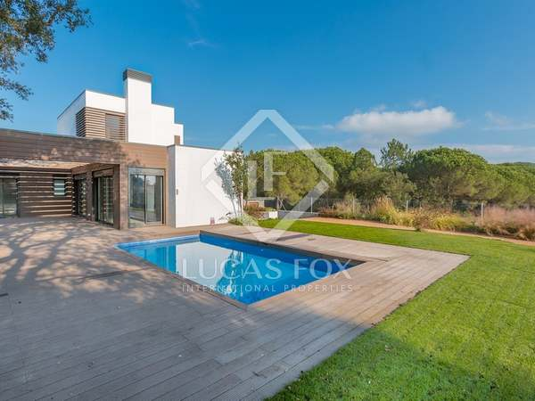 Modern style Costa Brava villa for sale