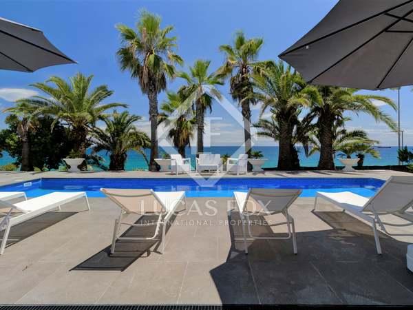 Huis / Villa van 582m² te koop in Antibes, Tarragona