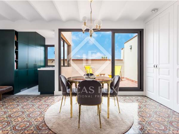 59m² Penthouse with 17m² terrace for sale in Eixample Right