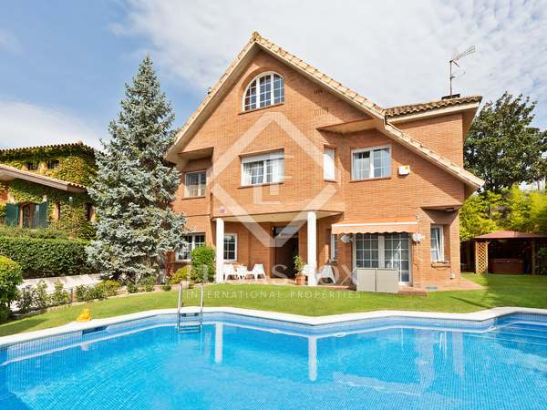 570m² House / Villa with 480m² garden for sale in Sant Cugat