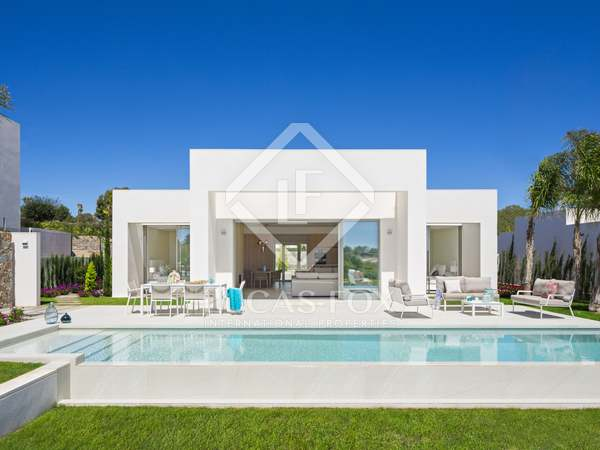 200m² House / Villa with 65m² terrace for sale in Alicante ciudad