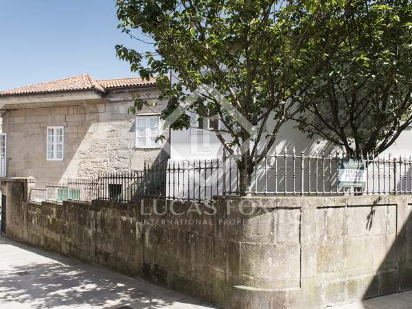 310m² Apartment with 50m² terrace for sale in Pontevedra