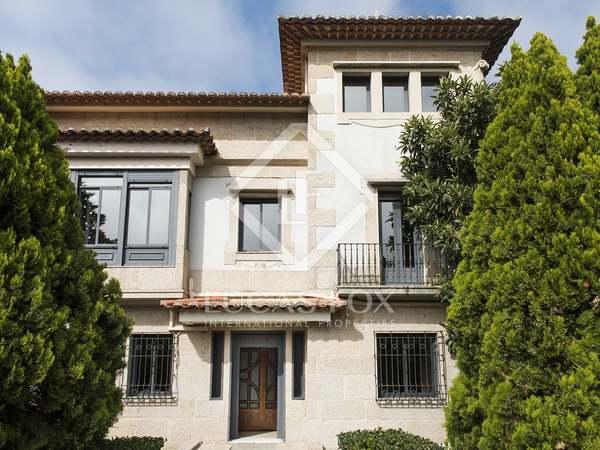 Huis / Villa van 420m² te koop in Vigo, Galicia