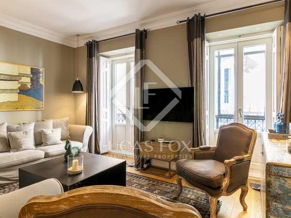 104m² Apartment for rent in Cortes / Huertas, Madrid