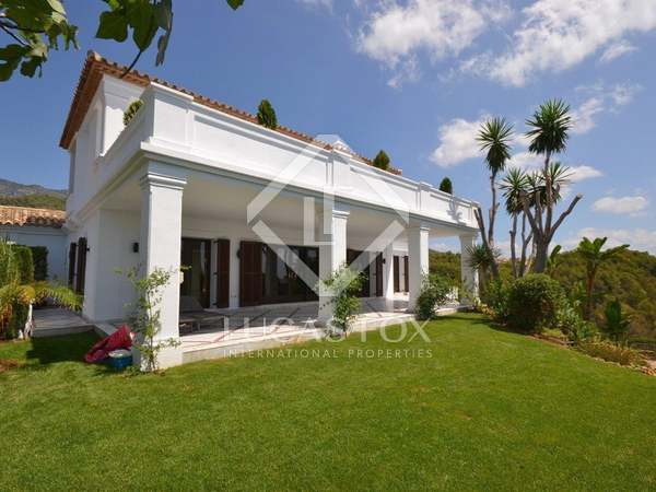 470m² House / Villa with 1,187m² garden for sale in Golden Mile