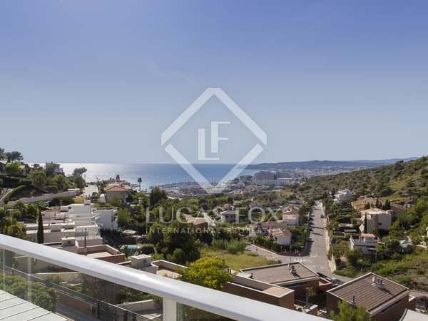 Huis / Villa van 340m² te koop in Levantina, Barcelona