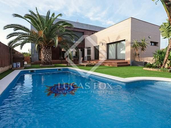 Maison / Villa de 145m² a vendre à Vilanova i la Geltrú