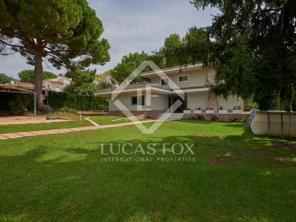 411m² House / Villa with 700m² garden for sale in Los Monasterios