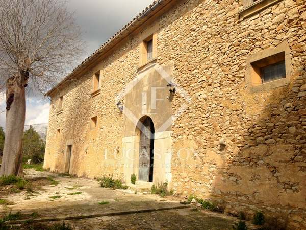 Country property to renovate in Llucmajor South Mallorca