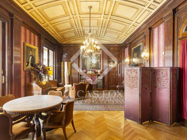 585m² Apartment with 35m² terrace for sale in Eixample Right