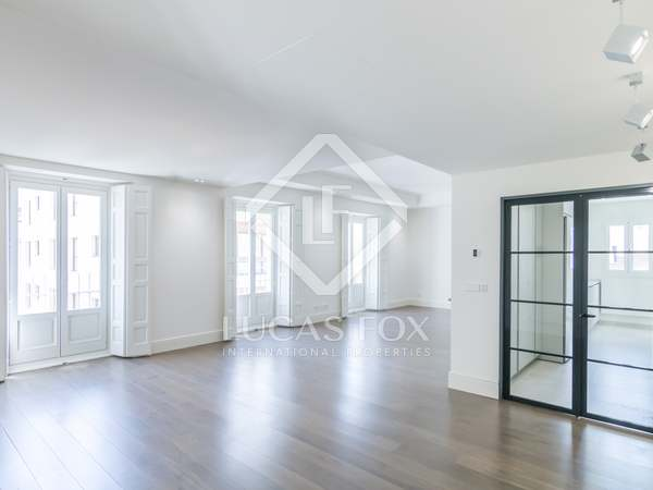 Piso con 42 m² de terraza en alquiler en Castellana