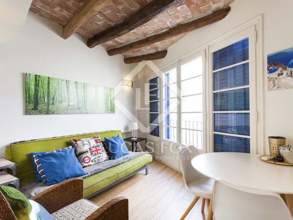 Town house with tourist licence for sale in Sitges