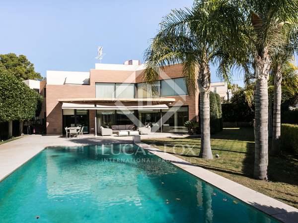 Villa de diseño contemporáneo en venta en Rocafort