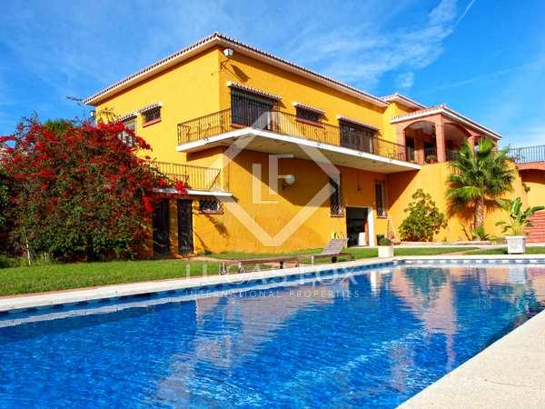 528m² House / Villa for sale in Axarquia, Málaga