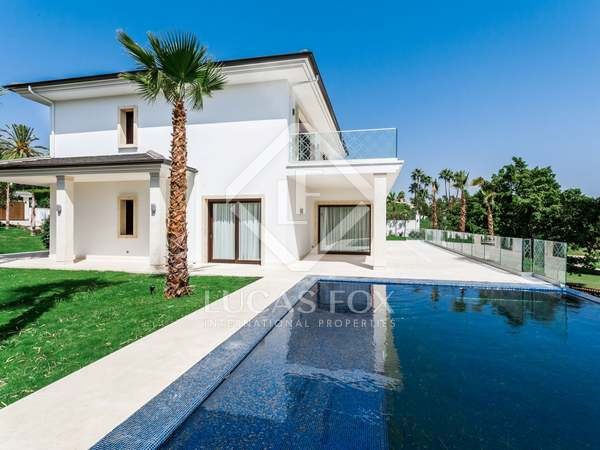 1,023m² House / Villa with 484m² terrace for sale in Nueva Andalucía