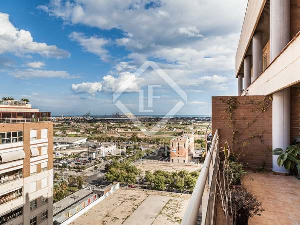 Apartment for sale with 2 terraces and communal areas
