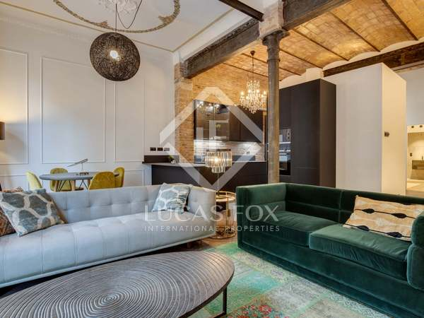 96m² Apartment with 19m² terrace for sale in Eixample Right