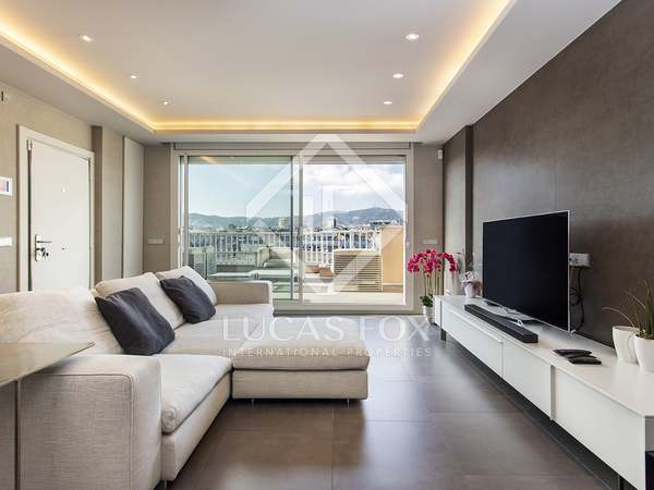 135m² Penthouse with 41m² terrace for sale in Eixample Left