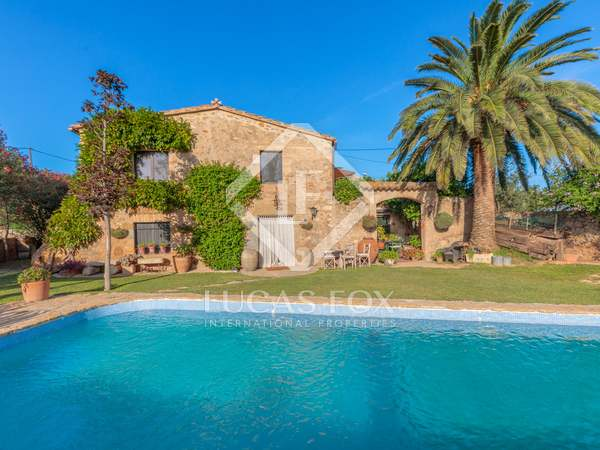 397m² Country house with 400m² garden for sale in Baix Empordà