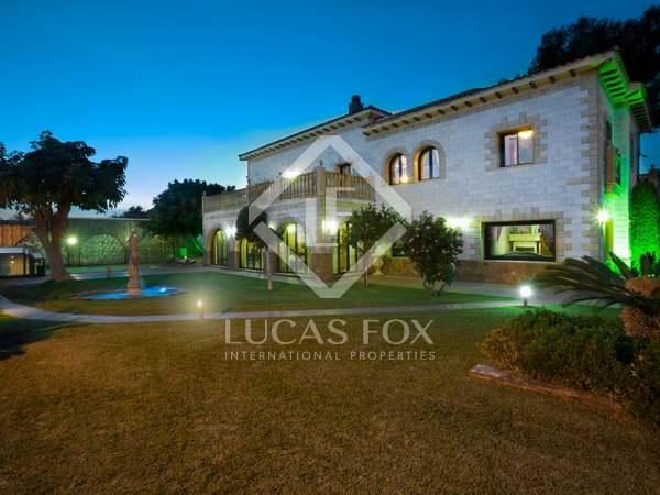 Maison / Villa de 588m² a vendre à Sant Andreu de Llavaneres