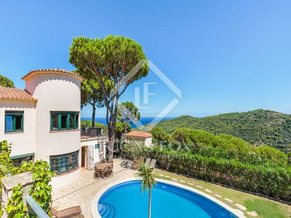 Huis / Villa van 243m² te koop in Sa Riera / Sa Tuna