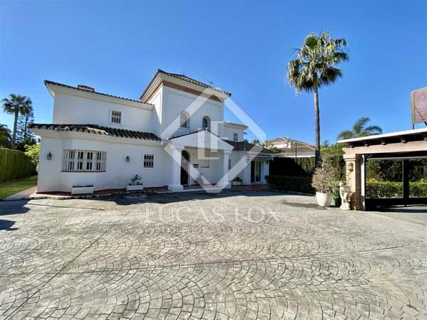 550m² House / Villa with 1,115m² garden for sale in San Pedro de Alcántara / Guadalmina