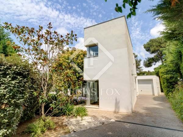 210m² House / Villa with 648m² garden for sale in Urb. de Llevant