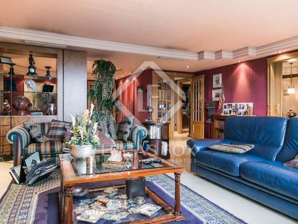 Vivienda de lujo de 300 m² en venta en Jacinto Benavente