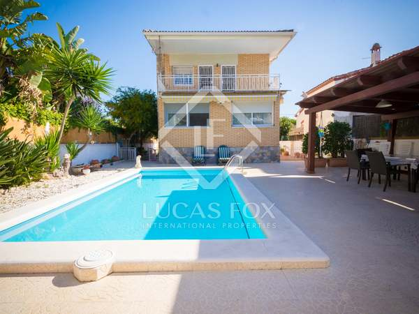 247 m² house for sale in Castelldefels, Barcelona