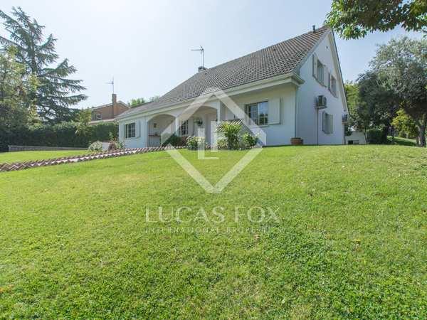 Villa de 360m² con 1.200m² de jardín en venta en Pozuelo