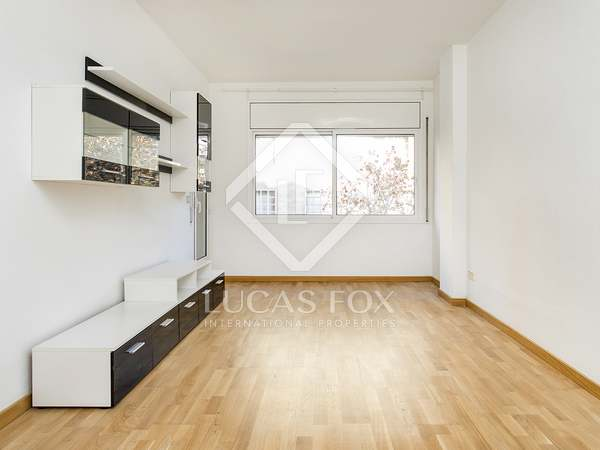 85m² Apartment with 8m² terrace for rent in Les Corts