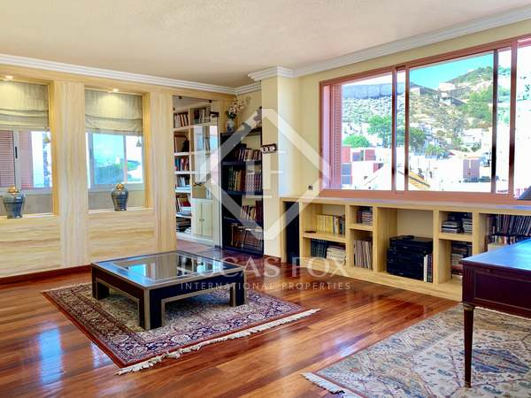 230m² Penthouse with 16m² terrace for sale in Alicante ciudad