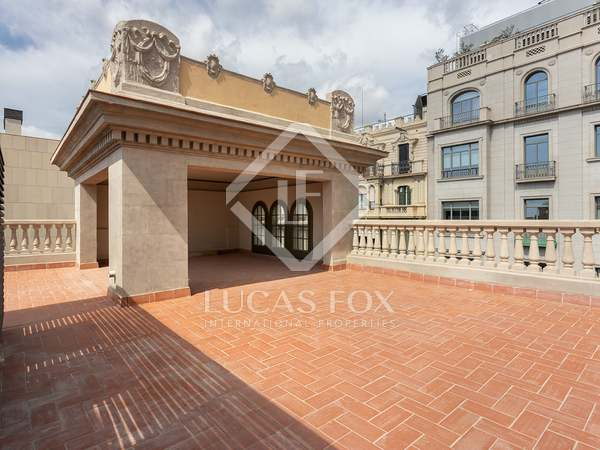 204m² Penthouse with 171m² terrace for sale in Eixample Right