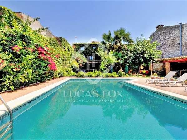 929m² House / Villa with 400m² garden for sale in Tarragona