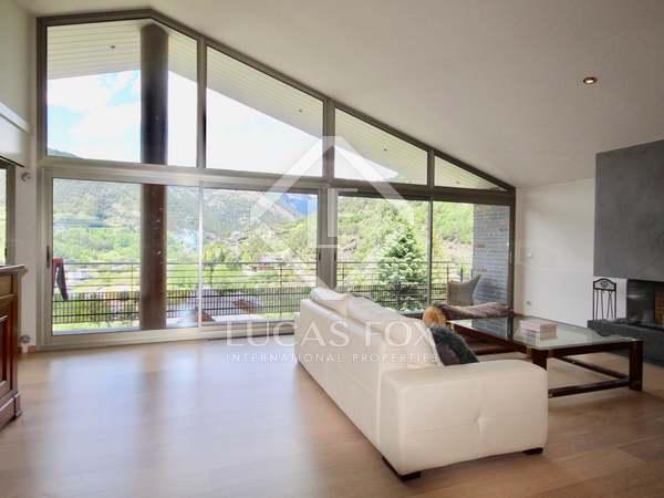 Ático de 200 m² con 20 m² de terraza en alquiler en La Massana