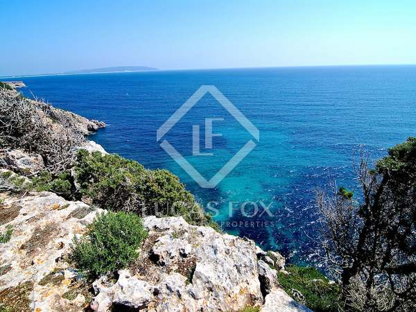 Unique plot with project for sale in Formentera