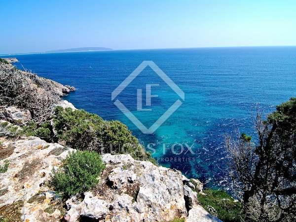 Excepcional parcela con proyecto en venta en Formentera