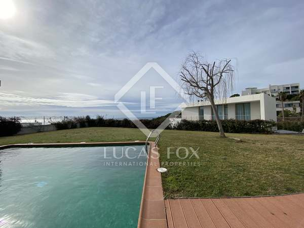 322m² House / Villa with 700m² garden for sale in Arenys de Mar