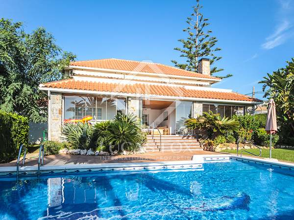308m² House / Villa for sale in Calafell, Tarragona