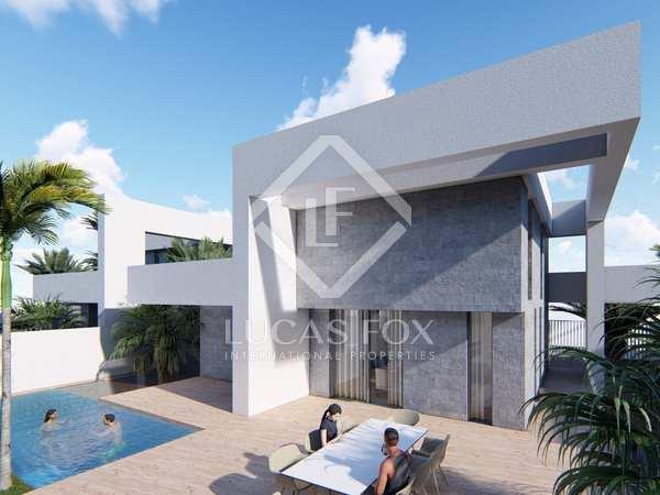 220m² House / Villa for sale in Playa San Juan, Alicante