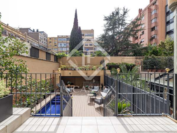 150m² Apartment with 50m² terrace for sale in Eixample Left