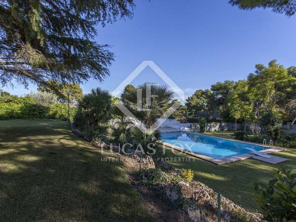 370m² House / Villa for rent in Godella / Rocafort