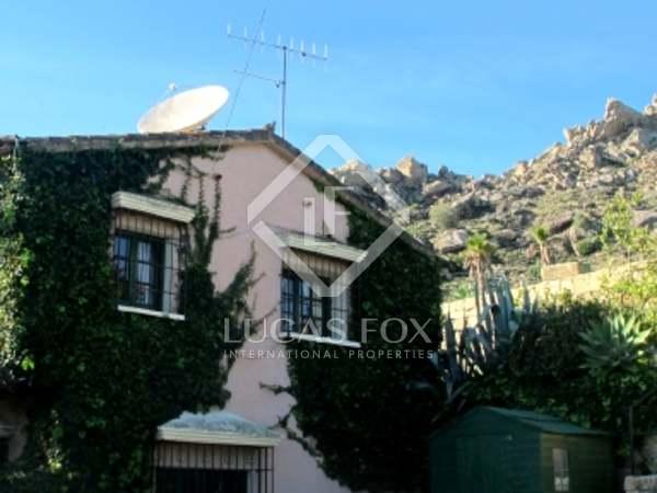 Casa encantadora delante de un río en venta en Andalucía