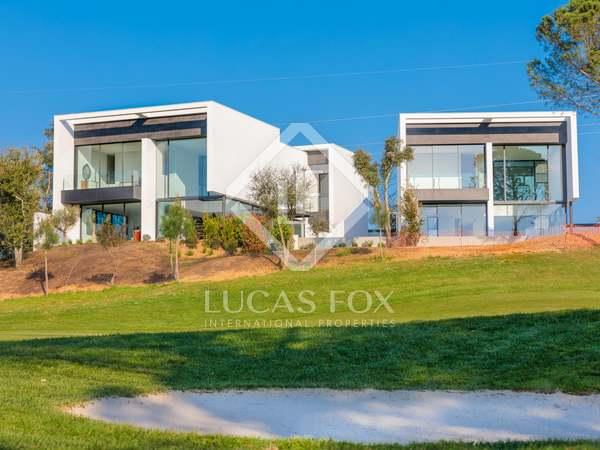 Huis / Villa van 340m² te koop in PGA, Girona
