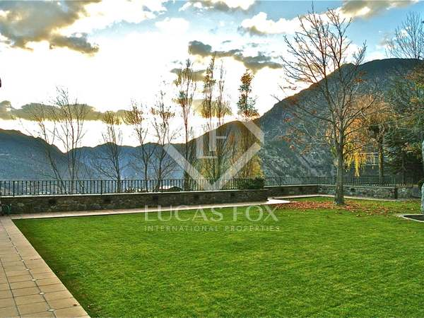 2,265m² Lyxfastighet med 942m² Trädgård till salu i Andorra la Vella