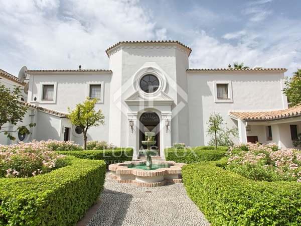 Дом / Вилла 1,305m², 250m² террасa на продажу в Сан Педро де Алькантара / Гуадальмина