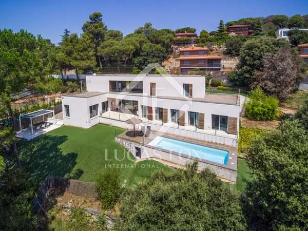 337m² House / Villa for rent in Vallromanes, Maresme